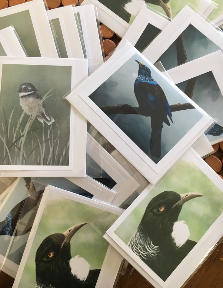 Small note cards available at Pollok Art Gallery or you can get yours on our website now https://store.bellaflorientina.com/