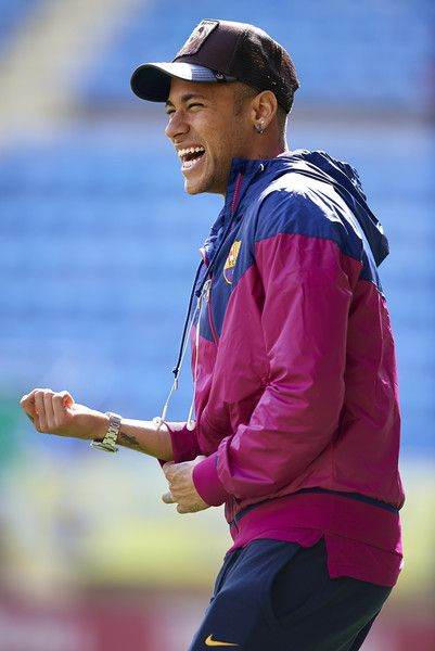 Neymar JR of Barcelona smiles prior to the La Liga match between Villarreal CF and FC Barcelona at El Madrigal on March 20, 2016 in Villarreal