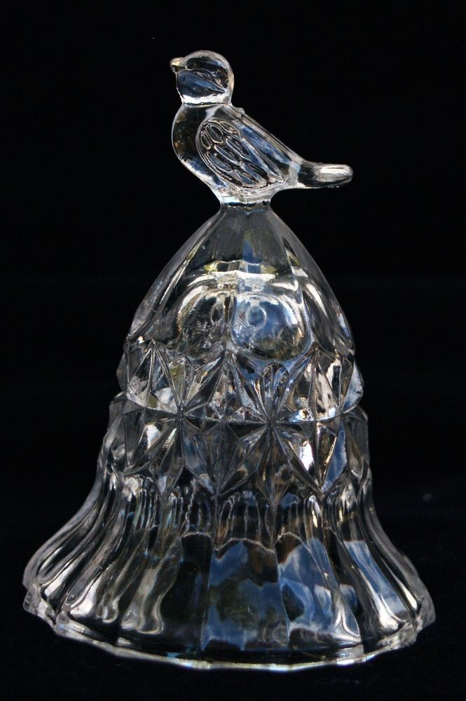 Crystal Bell Bird on top Chung Chung 24% Lead Crystal