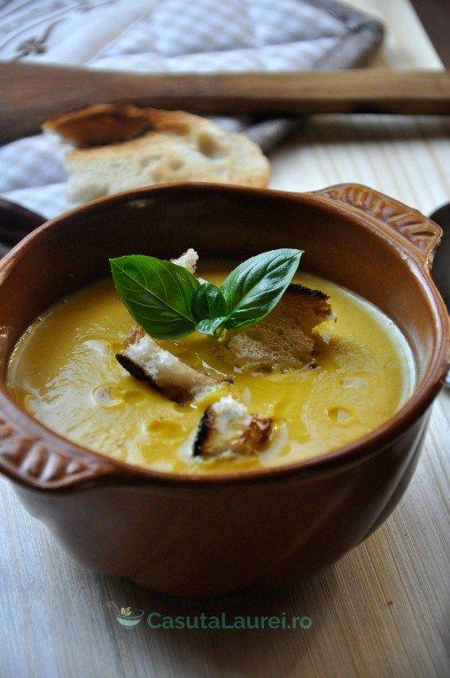 Supa - crema de dovleac - o reteta de supa crema rapida si cremoasa, un preparat usor cu aroma de toamna