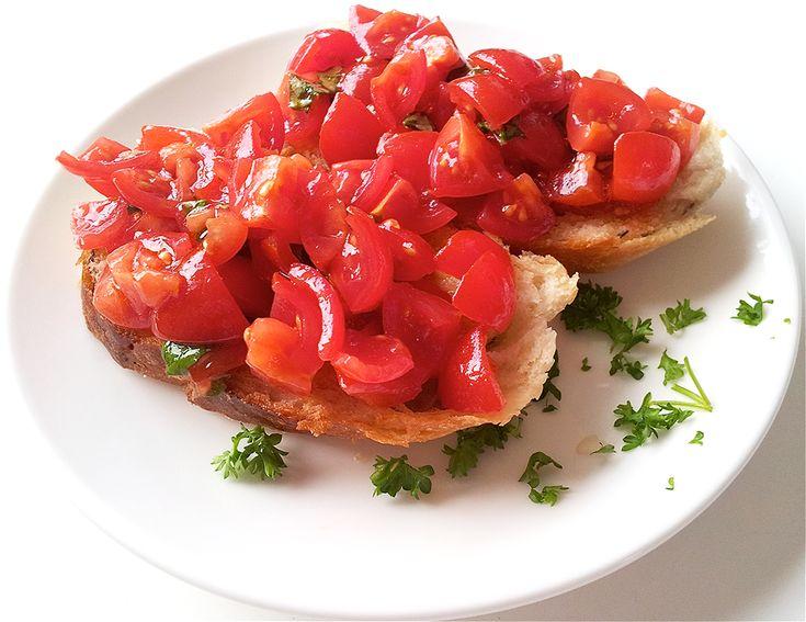 Bruschetta tomaat basilicum   Het lekkerste recept vind je op AllesOverItaliaansEten