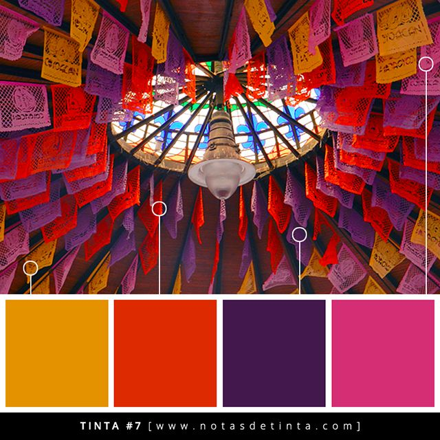 Descubre una paleta de colores inspirada en la decoración de un kiosco con papel de china en Coyoacán.