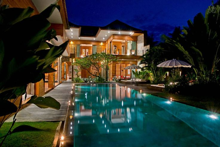 Villa in North Kuta, Indonesia. Our villa offers a luxurious retreat in the center of Seminyak. It is only 5-minute walk from Petitenget Beach, Hu'u bar, a 5-minute drive to Seminyak Beach, and the famous beach clubs in Bali: Ku De Ta and Potato Head Beach Club.   Situated in th...