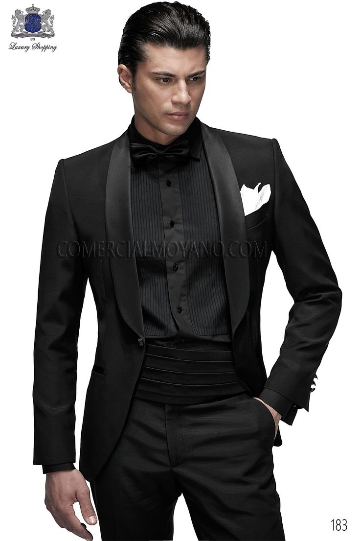 Traje de novio esmoquin italiano a medida negro en tejido new performance y solapa chal de