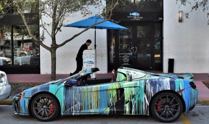 おそらく最も思い切ったカスタムのマクラーレン650Sペンキをぶっかけアートカー風に