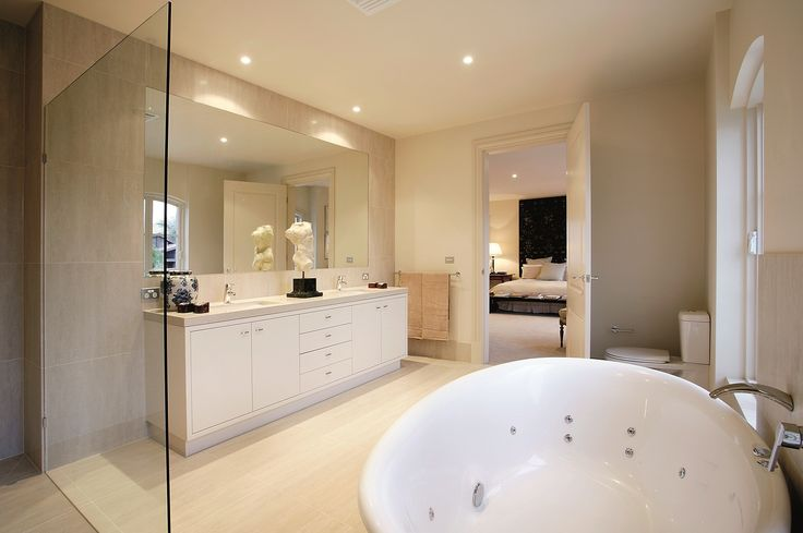 A spacious bathroom like this is surely a treat! Oh and yes! That mirror, too! Right, ladies?