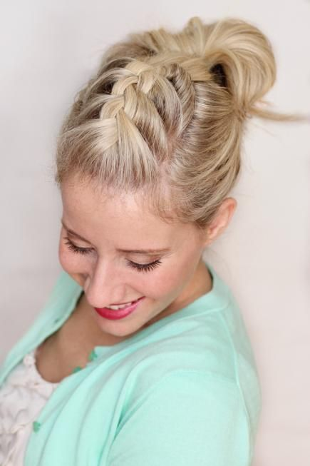 Put off the shampoo one more day with this French braid pompadour. It's quick and easy and will lock all your hair away without sacrificing style. #Hairstyles #FrenchBraids