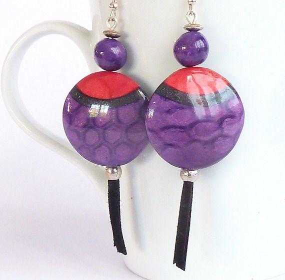 Boucles d'oreilles violettes et violettes pailletées