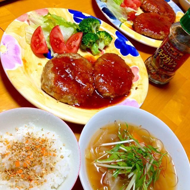 今日の晩御飯 - 24件のもぐもぐ - 豆腐ハンバーグ・野菜たっぷりエスニックスープ by カウンター嬢