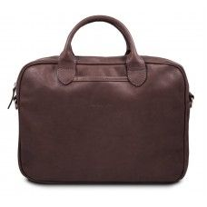 Camp Black - это мужская сумка созданная для людей, которые не любят носить с собой много вещей. Ноутбук и папка документов, это минимальный набор необходимый любому деловому человеку. Функциональный минимализм отражен и в дизайне сумки – простые на первый взгляд формы, локаничные ручки и металлическая молния. Практичный, достаточно стильный, удобный и всегда уместный минимализм. Мужская сумка Camp Brown подойдет практически под любую одежду, будь это джинсы с майкой или брюки с рубашкой.