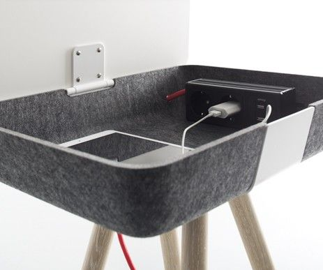 Funkcjonalne rozwiązanie - stacja do ładowania urządzeń multimedialnych w stoliku Pad Box. Wystarczy podnieść blat.