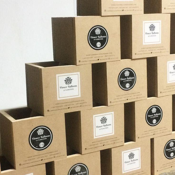 Tu negocio necesita cajas con tu logo o algún diseño ? Contacto Make 6855 7038 para un cotización hoy #makepanama #cajas #madera #MDF #materiales #pty #logo #imprimir #boxes #cajasdevino #imprimirpanama #panama #flores #floristeriapty #flores #detalles #productos #negocio #marca #eventos #negro #blanco #marketing #regalo #gift #mueblespanama