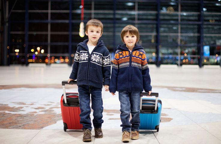 Avion avec enfant : attention, enfants à bord!