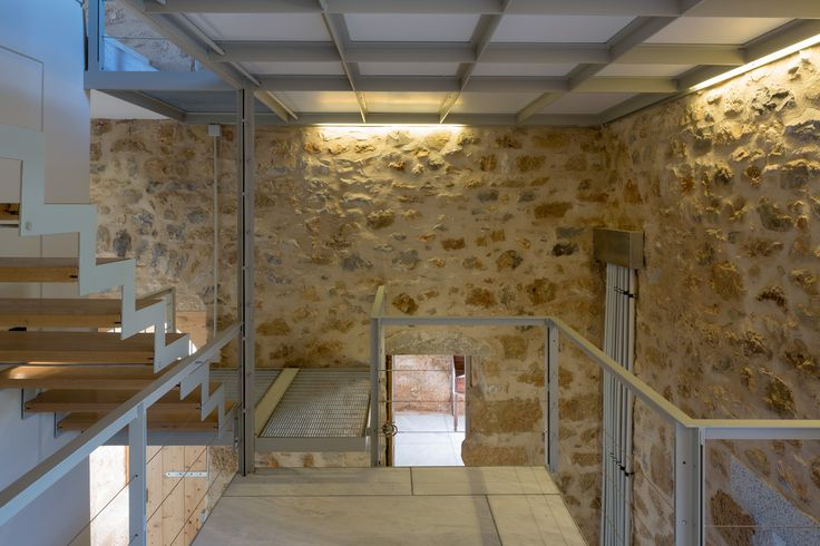 Both the preservation of the existing stone shell of the house and the clear differentiation of the new integrated constructions-interventions, have been the guiding principles in designing this project.