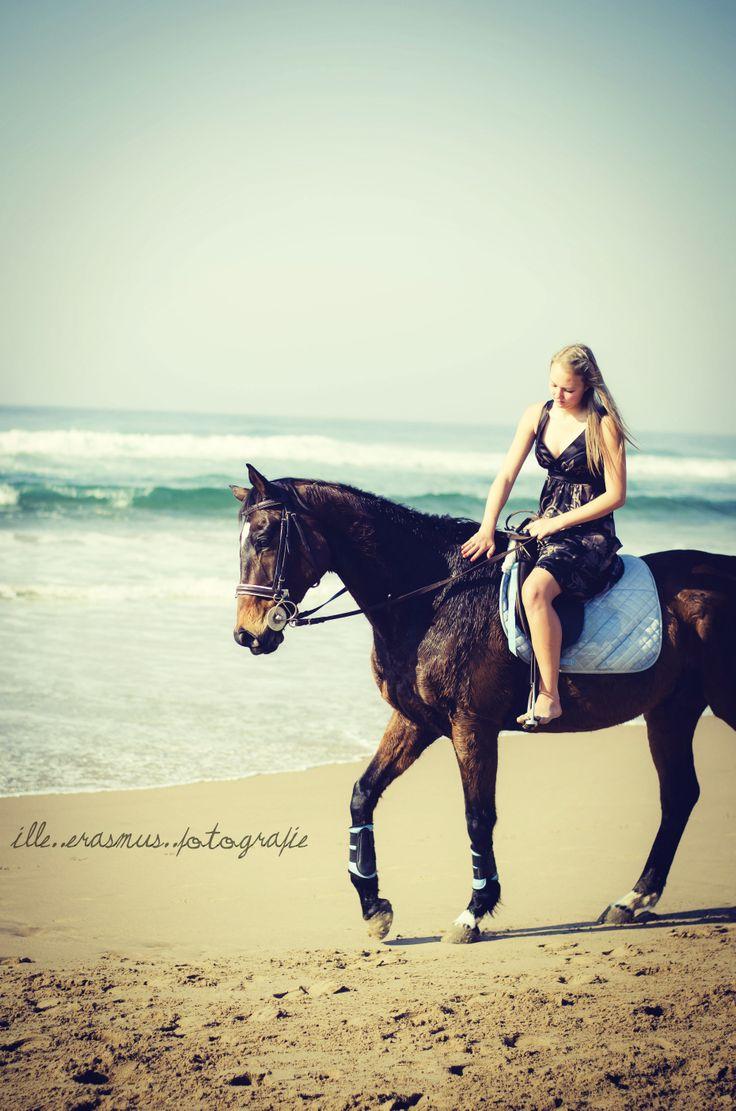 horse beach shoot - illeErasmusPhotography