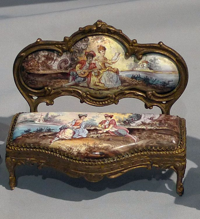 marinni: antique music box I'd love to see that with my very own eyes. Wow! Beautiful!!