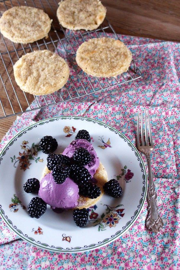 Blackberry Mascarpone Cookie Sundae / Patty's Food