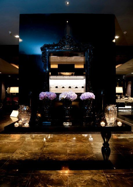 Deep Sky crystal chandelier in Ritz Carlton Hotel, Manama, Manooi