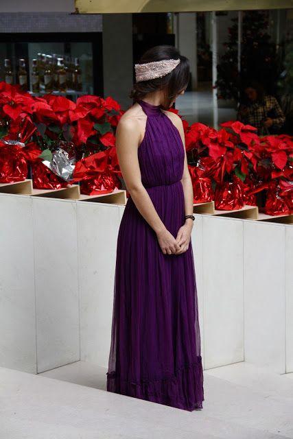 ¿Cuántas fiestas navideñas tienes? Te proponemos los mejores looks según donde vayas. #vestido #Christmas  #largo #morado #headband #diadema #fiesta #fin #año