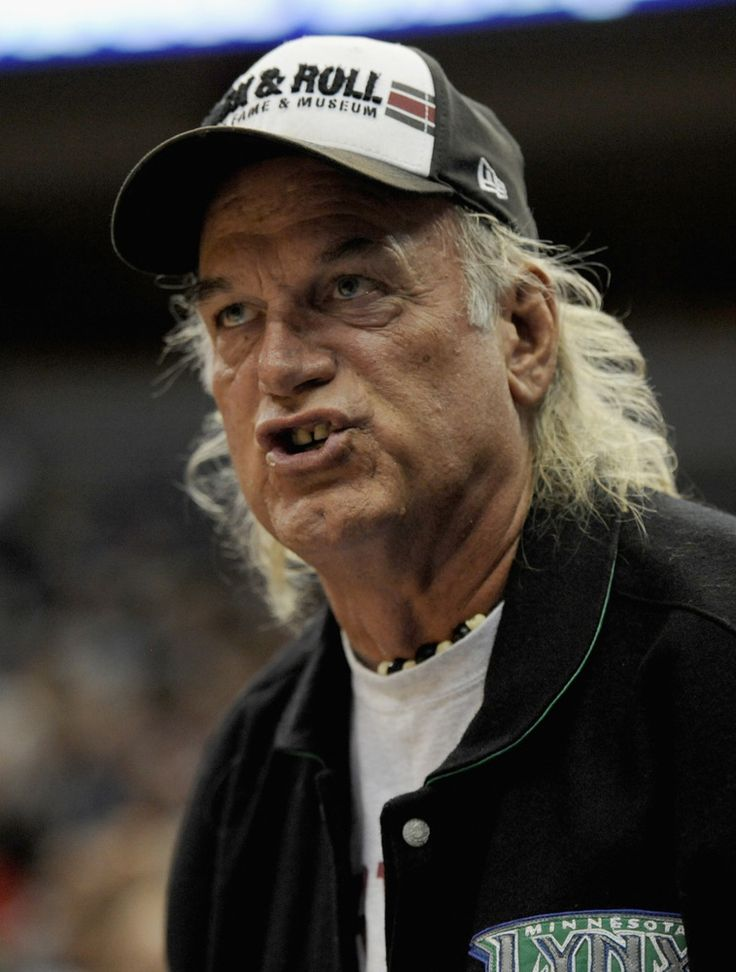 """Former Minnesota Gov. Jesse Ventura's lawsuit against deceased Navy SEAL Chris Kyle can continue, a judge has ruled. Arthur Boylan, U.S. chief magistrate judge for the federal courts in Minnesota, ruled that as executor of her husband's estate, Kyle's wife Taya can act as a """"substitution"""" for the defendant in court, the Minneapolis Star Tribune reports."""
