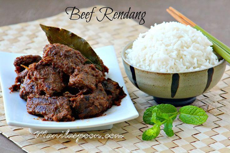 Dit klassieke Indonesische stoverij wordt langzaam gekookt in kokosmelk en specerijen tot het vlees smelten-in-uw-mond mals, gekarameliseerde en super-lekker .Seriously, de beste rundvlees curry ooit - Beef Rendang