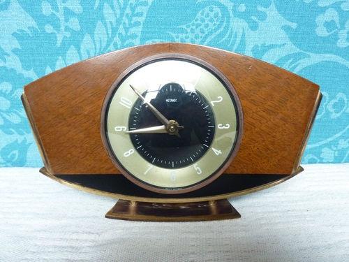 Metamec Vintage 1960s Mantel Clock 8 Day Wind Up Wood