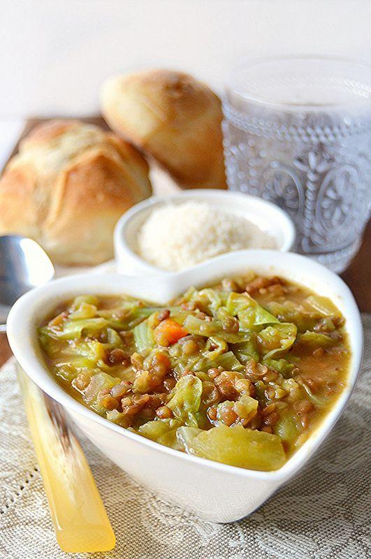 Zuppa di lenticchie patate e verza profumata allo zafferano