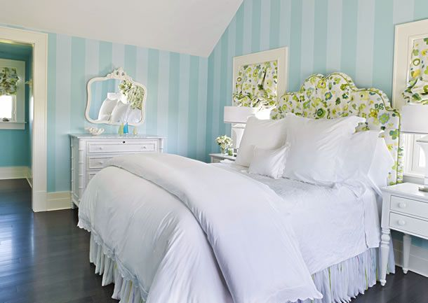 Nantucket pool houseTeen Girls Room, Guest Room, Stripes Wall, Summer House, Blue Wall, White Beds, Pretty Bedroom, Striped Walls, Bedrooms