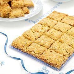 Segmjuka kakor som nästan smälter i munnen. Fulla av havre.. kanske hirsflingor/cornflakes?