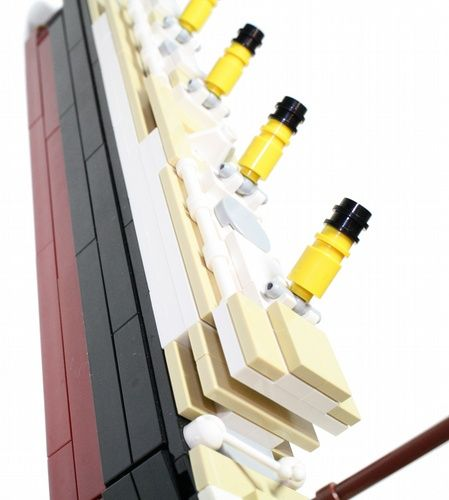 LEGO Titanic Building Instructions | ... LEGO® parts needed packaged in polybags, plus a full-colour