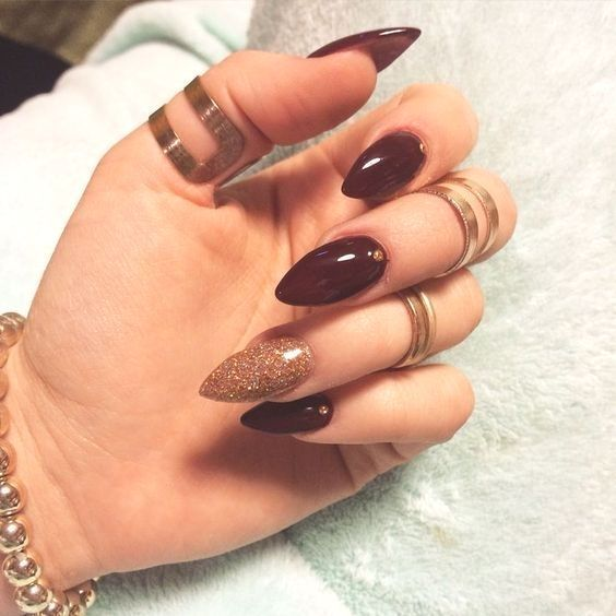 Trend Herbst Nägel: Weinrot Farbe Kunst Designs Nägel #