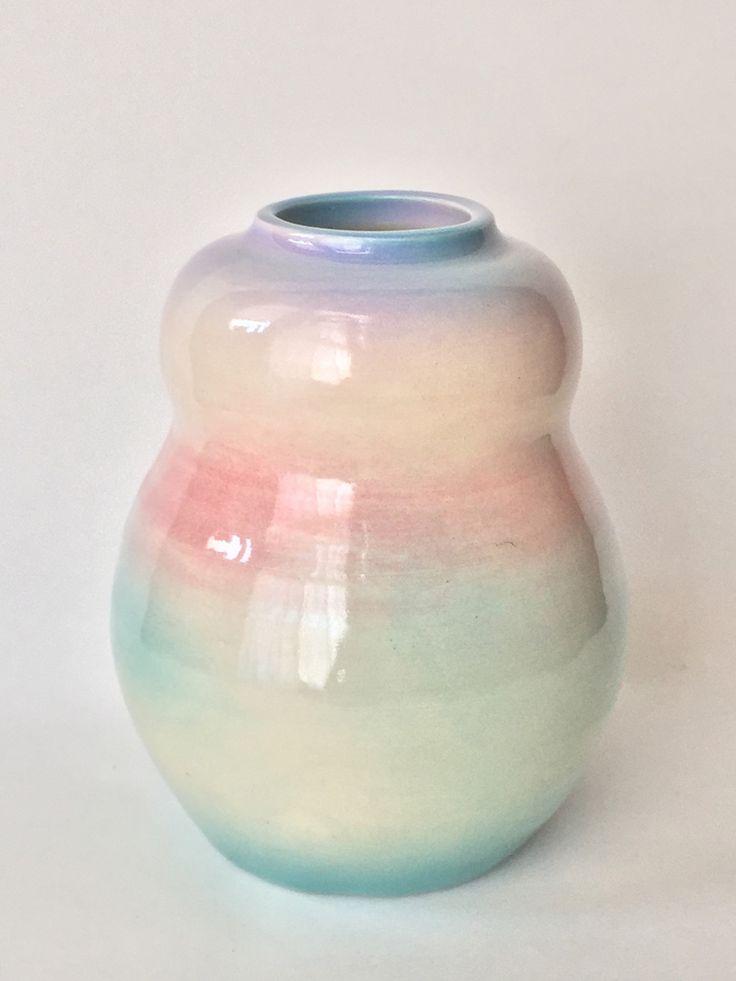 Las preciosas y coloridas piezas de cerámica de Angel Oloshove