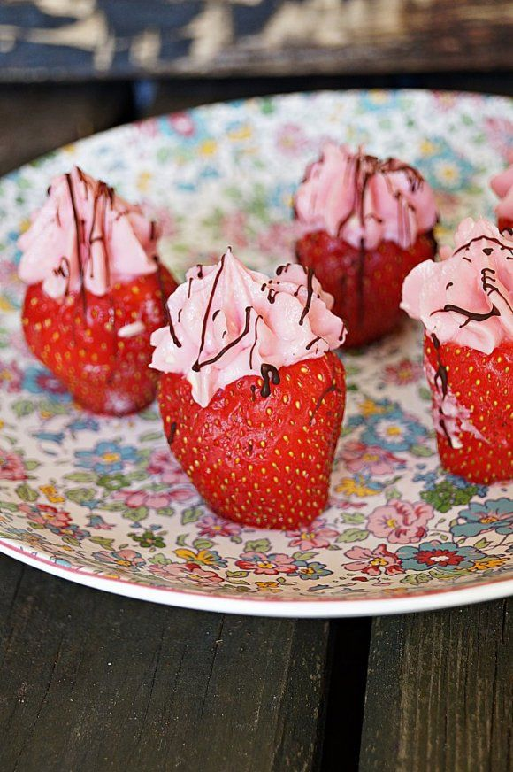 Cheesecake i en jordgubbe | Recept.se