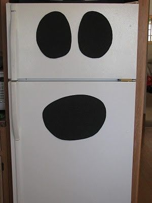 Ghost fridge - Even *I* could do this LOL by deanaCleaning Everything, Halloween Decor, Halloween Parties Ideas, Halloween Thanksgiving, Ghosts Fridge, Halloween Inspiration, Halloween Fal, Halloween Goodies, Halloween Ideas