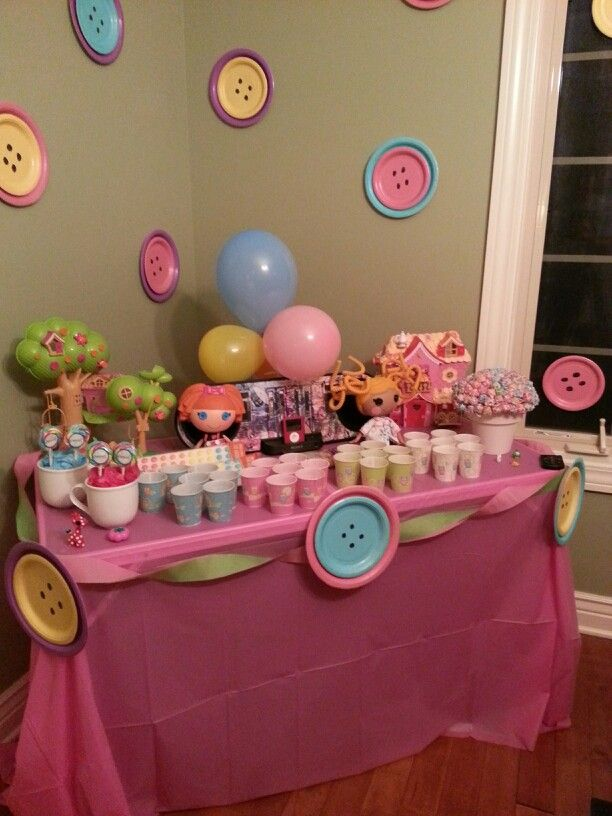 The plate buttons are adorable!!! Easy to make!!! Lalaloopsy birthday party