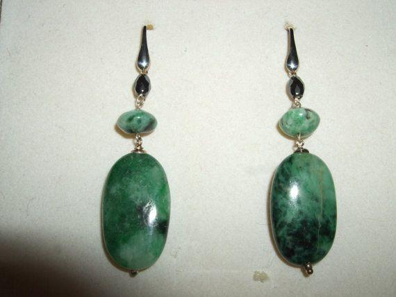 Guarda questo articolo nel mio negozio Etsy https://www.etsy.com/it/listing/484475223/orecchini-pendenti-in-pietra-dura-giada