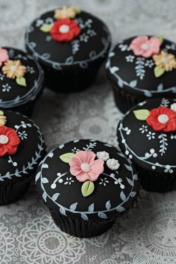 Floral Chalkboard Cupcakes