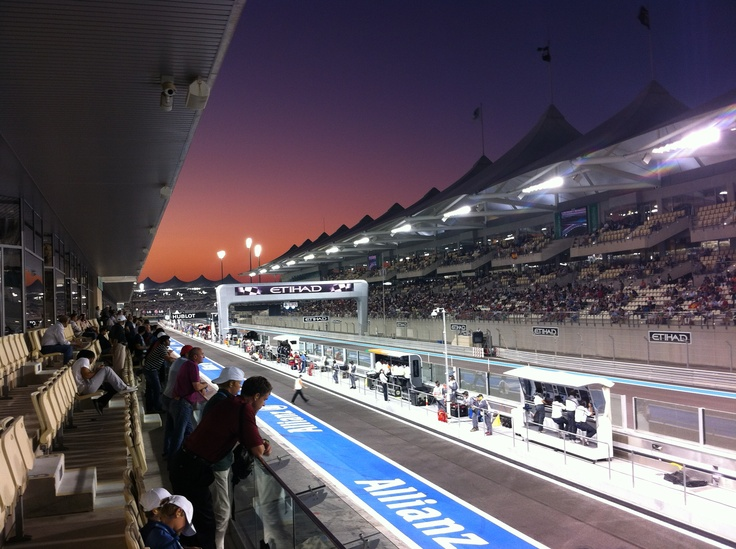 Super sunset in Abu Dhabi during qualifying.