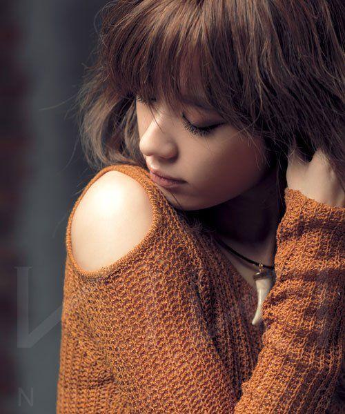 gorgeous shot of Han Hyo Joo; shoulderless sweater