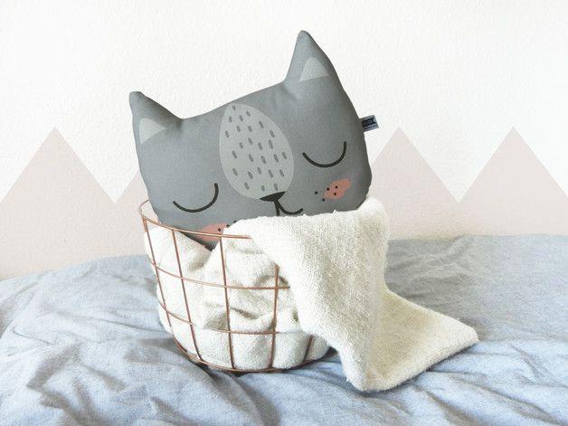 Kleines Katzen Kissen in grau für das Kinderzimmer, Kuschel Kissen für dein Kind / Small cat pillow in grey for your child's room, cushion for your kid by Mascha-W via DaWanda.com