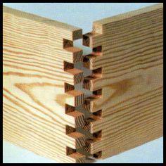 Es gibt viele Möglichkeiten, Holzteile miteinander zu verbinden. Das Spektrum r… Es gibt viele Möglichkeiten, Holzteile miteinander zu verbinden. Das Spektrum reicht vom simplen Nagel bis zu dekorativen Zinken. Bei der Wahl der am besten geeigneten Verbindung spielen Material und spätere Funktion eine entscheidende Rolle. Verbindungen, die von Dauer und dazu noch schön sein sollen, erfordern viel handwerkliches Geschick, Geduld und Sorgfalt. Doch die Mühe lohnt sich, wenn Sie für Ihre Arbeit edles Holz verwenden. » <a href=
