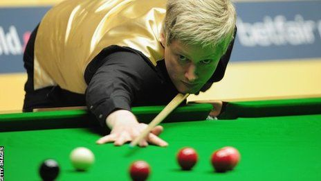 World number one Neil Robertson has beaten Scotland's John Higgins 10-7 to win the Wuxi Classic in China.