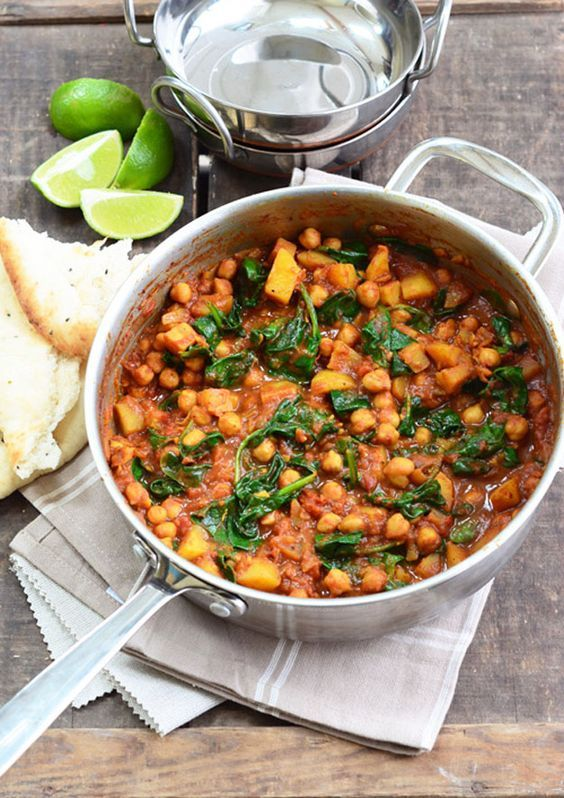 This chickpea and spinach curry is so easy and delicious and is quick to make too. Replace the ghee/oil with Fry Light and this healthy meal is completely Syn free. (Slimming World)