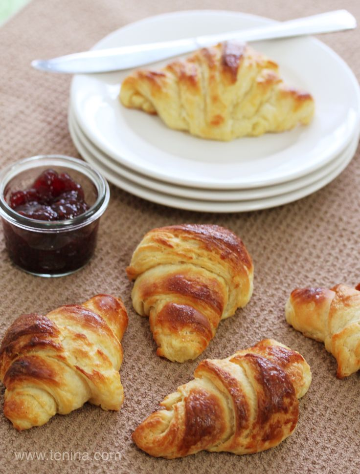 Thermomix recipe: Butter Croissants · Tenina.com