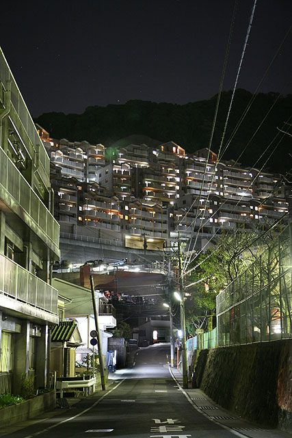 @nifty:デイリーポータルZ:長崎の巨大要塞