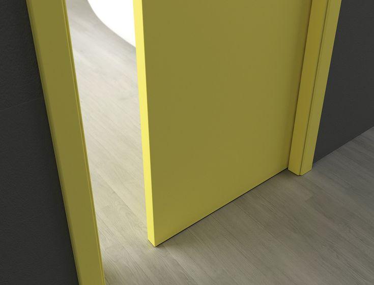 Dveře Millenium umožňují plné zavření, tedy zasunutí do stavebního pouzdra, s plynulým tlumeným dovíráním. Provedení: žlutý lak - mat.