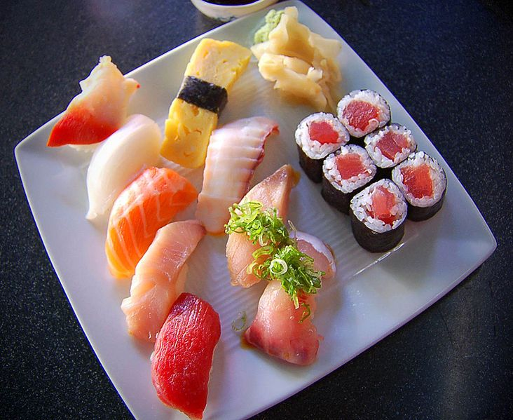 Sushi com arroz normal! Deu certo!