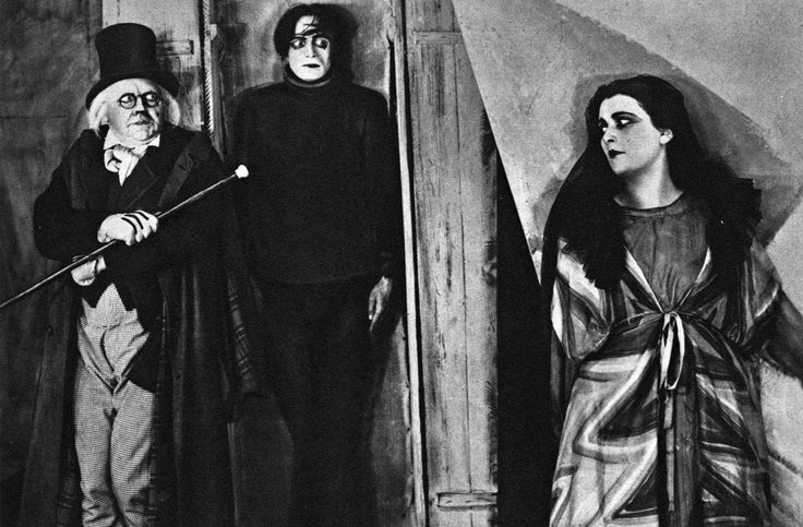 Creepy Old Black and White Films to Watch this Halloween! http://storybookapothecary.com/creepy-old-black-and-white-films-to-watch-this-halloween/?utm_campaign=coschedule&utm_source=pinterest&utm_medium=Tianna%20%40%20Storybook%20Apothecary&utm_content=Creepy%20Old%20Black%20and%20White%20Films%20to%20Watch%20this%20Halloween%21