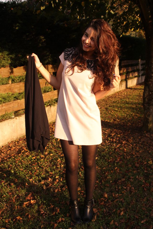 Safia (bloggeuse - youtubeuse)  petite robe rose poudré + talon