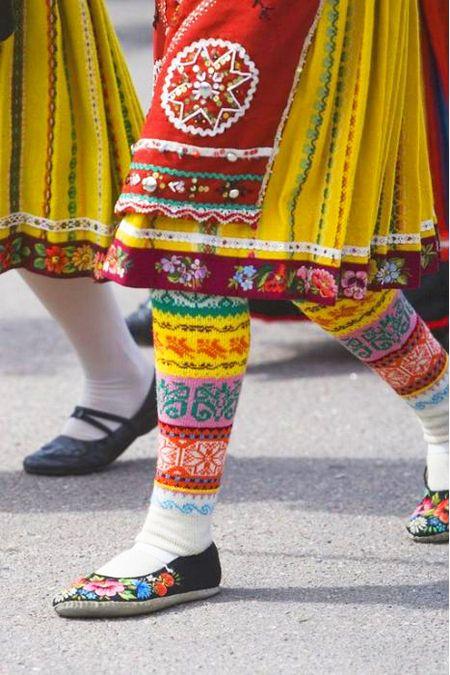 Sjoesjoe likes lovely things!: Folk clothing